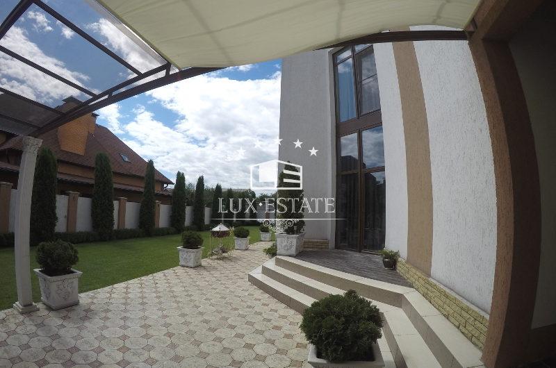 Продам дом 230 м2 в районе Алексеевка г. Харьков