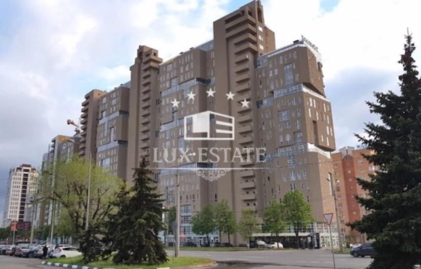 ЖК Павловский Кварталл . 102 метра .5я секция .высокий этаж
