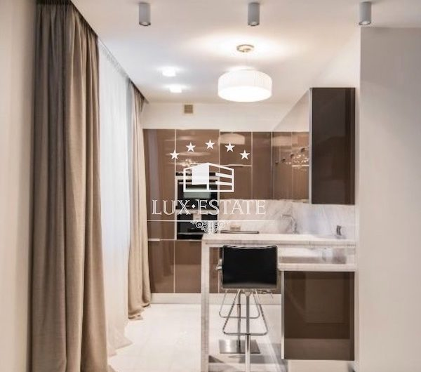 Продам квартиру с ремонтом в ЖК Атолл