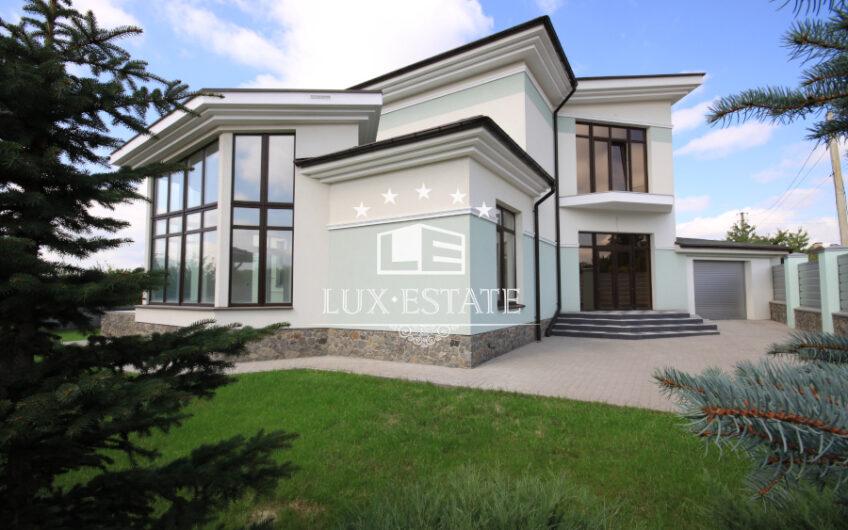 Купи без комиссии красивый дом в коттеджном районе Малая Даниловка