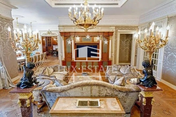 Продам 6-ти комнатную квартиру в центре города на Сумской