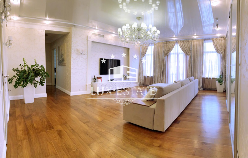 Квартира в стиле нео-классика ЖК Садовая Горка