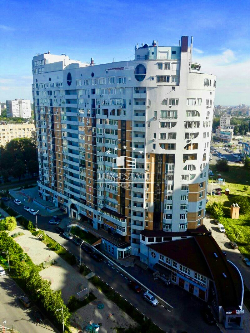 4-комнатная квартира в новострое (МКДУ) на 23-Августа. Павлово Поле