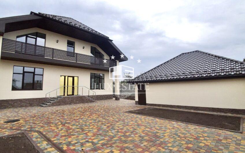 Новый, качественный дом на Салтовке. Поселок Кирова.