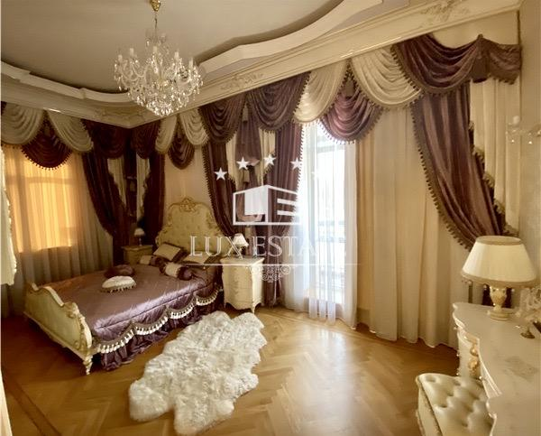 """Уникальное предложение! 4-комнатная квартира в классическом стиле ЖК """"Фламинго"""""""
