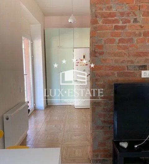 Сдам в долгосрочную аренду 2-х этажный дом на Немышле, м. Дворец Спорта