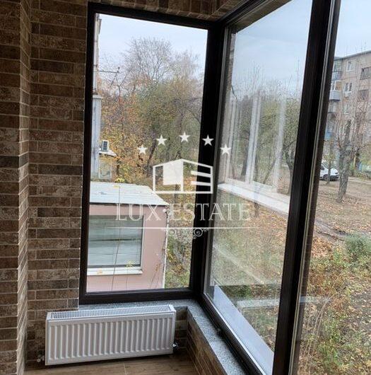 Сдам 1-к. квартиру-студию с дизайнерским ремонтом, м. 23 Августа