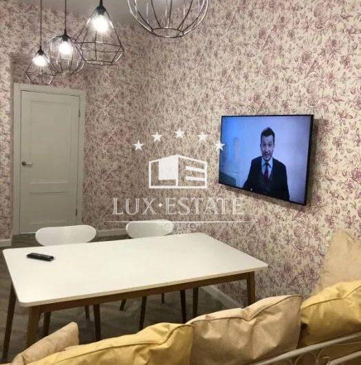 Продам 3-к квартиру с ремонтом в центре города, м.Архитектора Бекетова