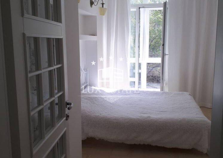 Аренда 2-к. квартиры в центре города, ул. Короленко, м. Площадь Конституции